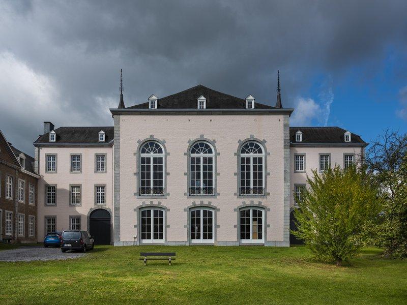 Spa Waux Hall