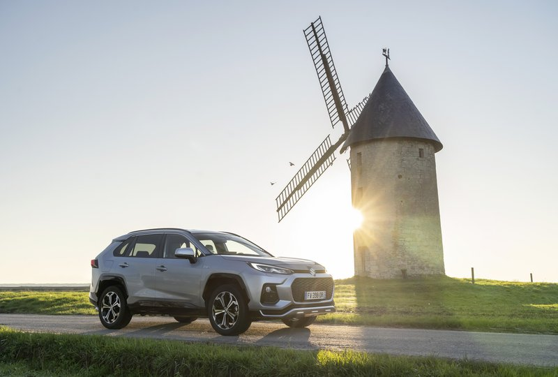 Suzuki Across Novembre 2020