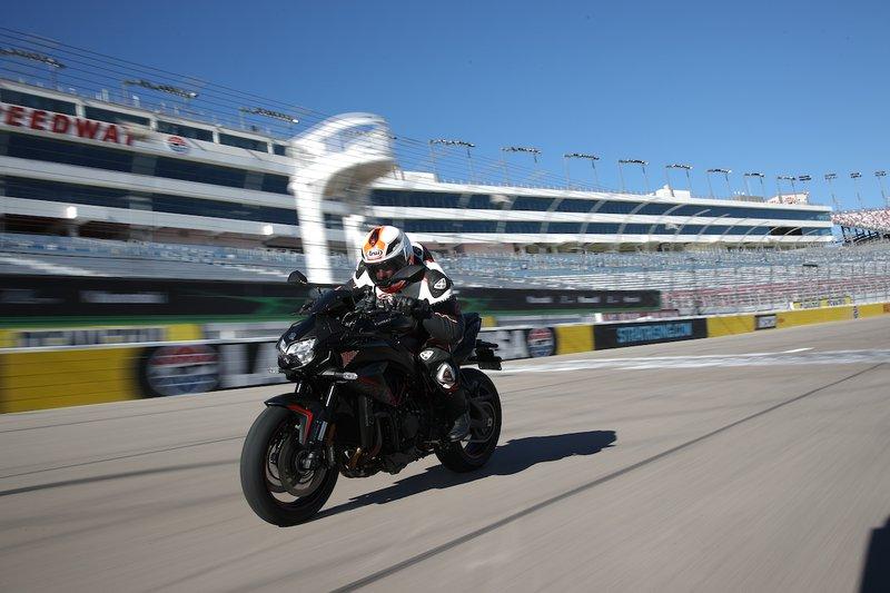 Test Kawasaki Z H2