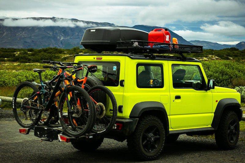Un porte-vélo et un attelage ont une charge maximale